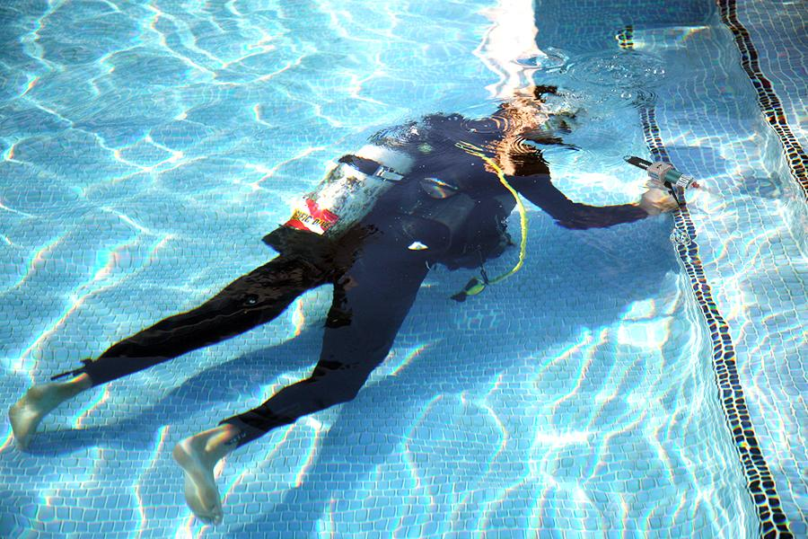 AquaBond underwater repair adhesive no need to drain the pool